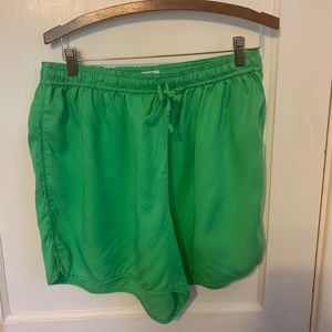 Crown & Ivy Beach green shorts 3X